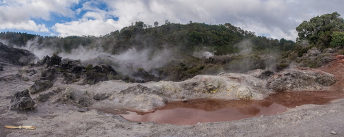 Te Puia geothermals  Panorama : click to zoom !