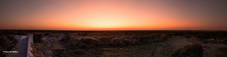 Sunset over Namutoni  - Click to open panorama !