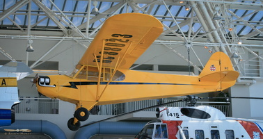 Piper J3C-65 Cub - Click to zoom !