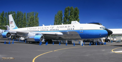 Boeing VC-137B Air Force One - Click to zoom !