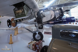 Ford Trimotor cargo system