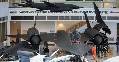 Lockheed SR-71A Blackbird #971 - Click to zoom !