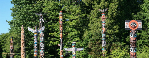 Stanley Park's First Nations totems poles - Click to zoom !