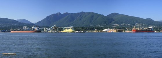 North Vancouver docks - Click to zoom !