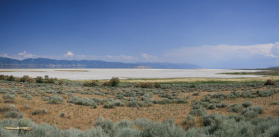 Great Salt Lake - Click to zoom !