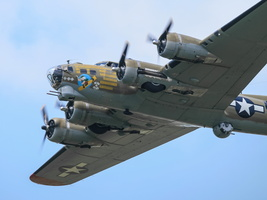 "Boeing B-17G Flying Fortress  ""Nine O Nine"""