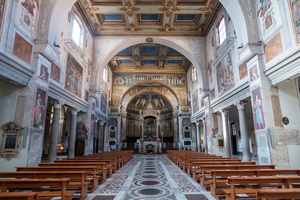Interior of the basilica Santa Prassede