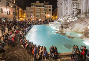 Night life around Trevi fountain